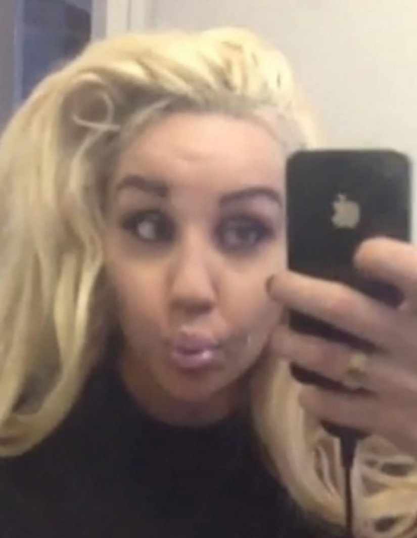 15 bad selfie of celebrities, they have time to spare
