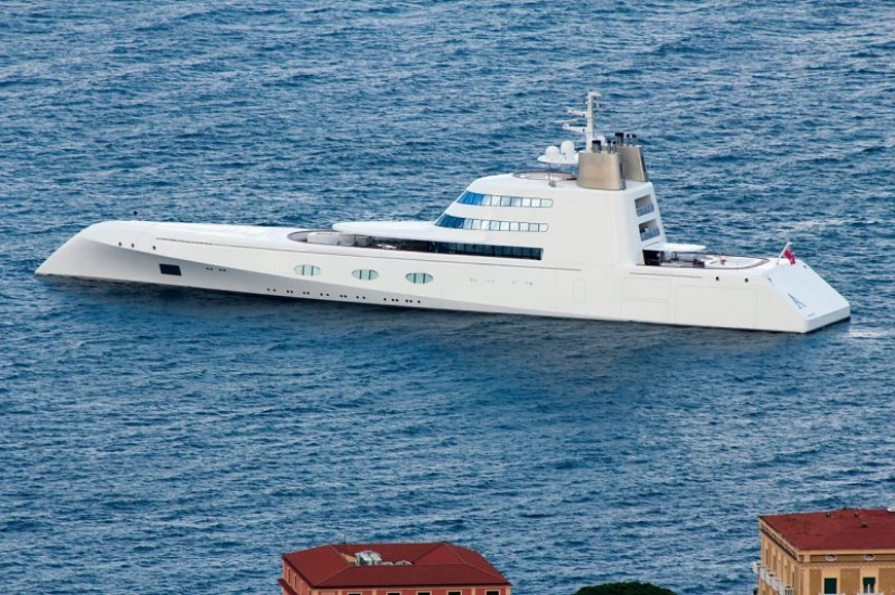 20 yachts of Russian billionaires who are worth more than the Russian Navy