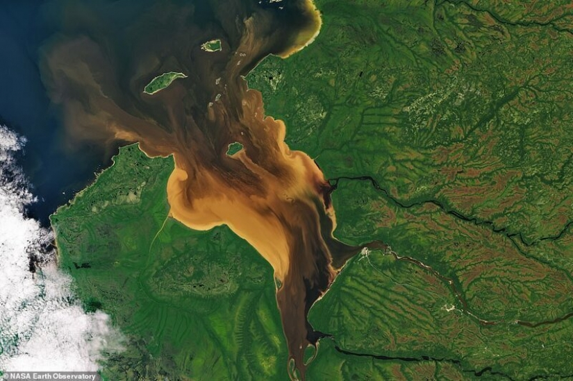 32 stunning photos of Earth from space
