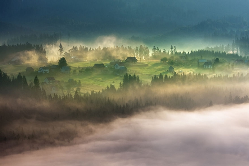 Amazing scenery in the arms of fog