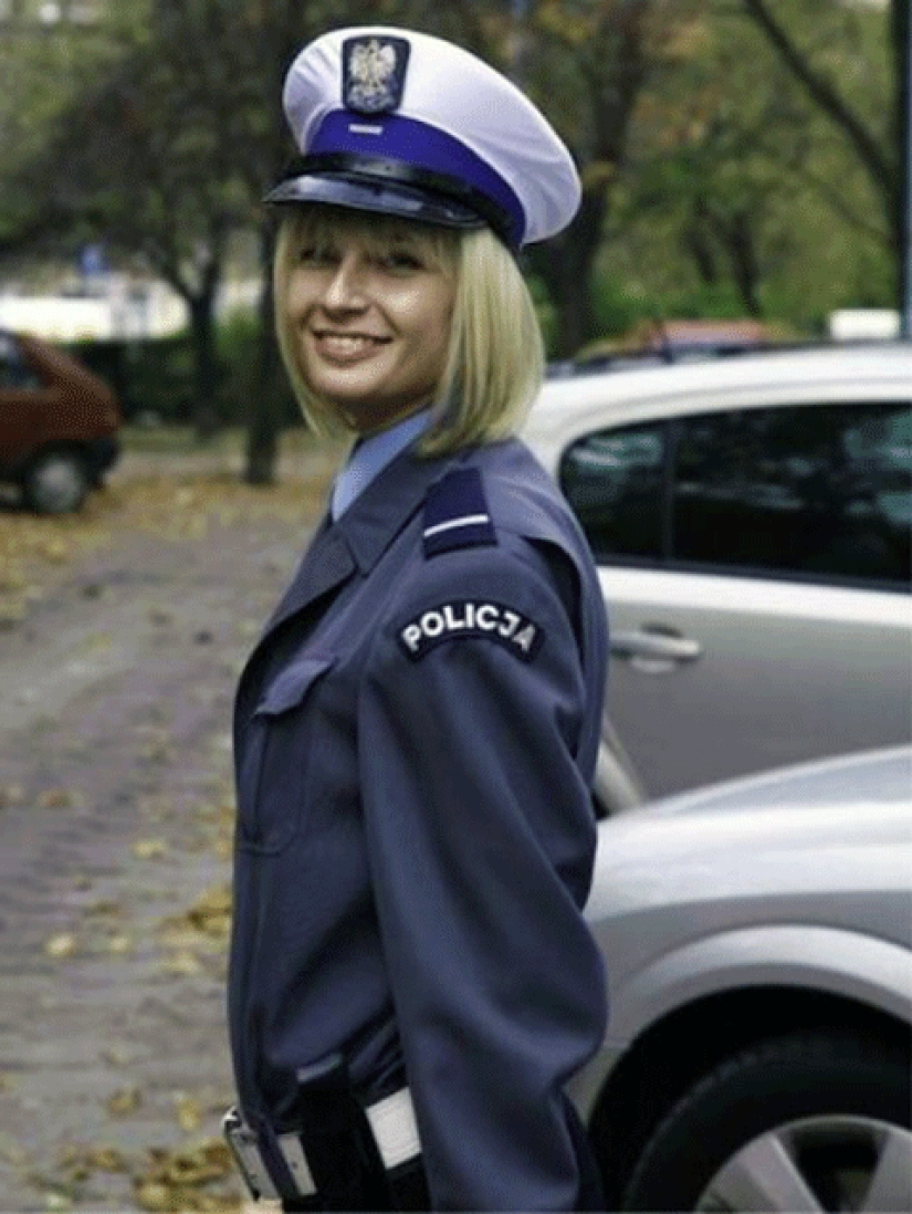 Beauties in uniform: the look of the women police in different countries