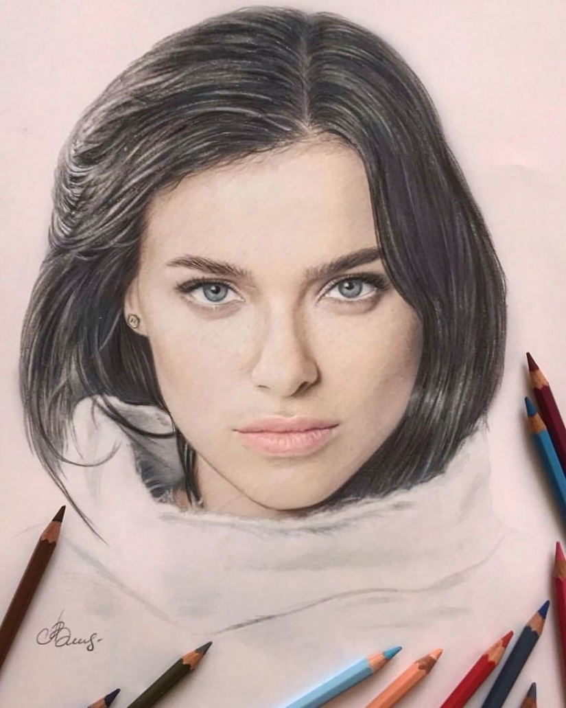 Hyperrealistic drawings with colored pencils from Lena Litvina