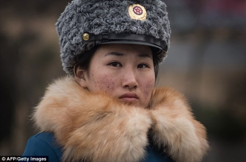 In the North Korean traffic police choose only pretty girls