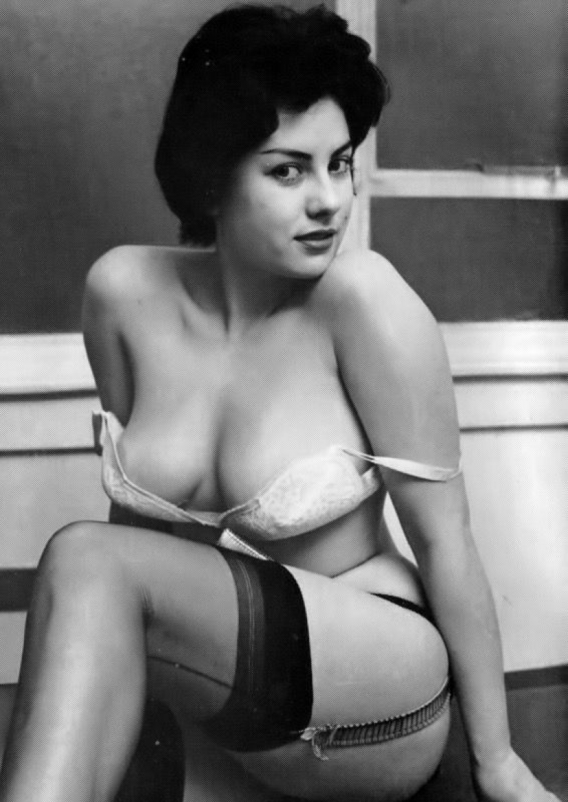 June Palmer — a British pinup model who took the laurels as a sex symbol at Americans