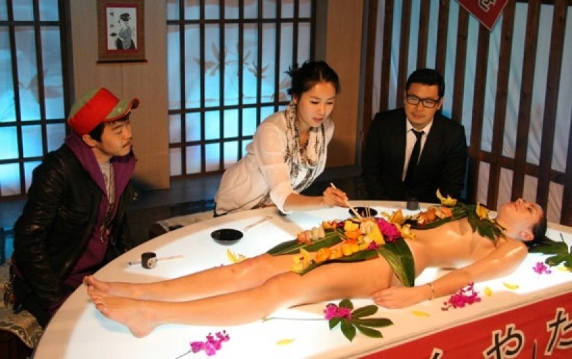 Nyotaimori: how did the tradition of eating sushi from a naked female body  - Pictolic