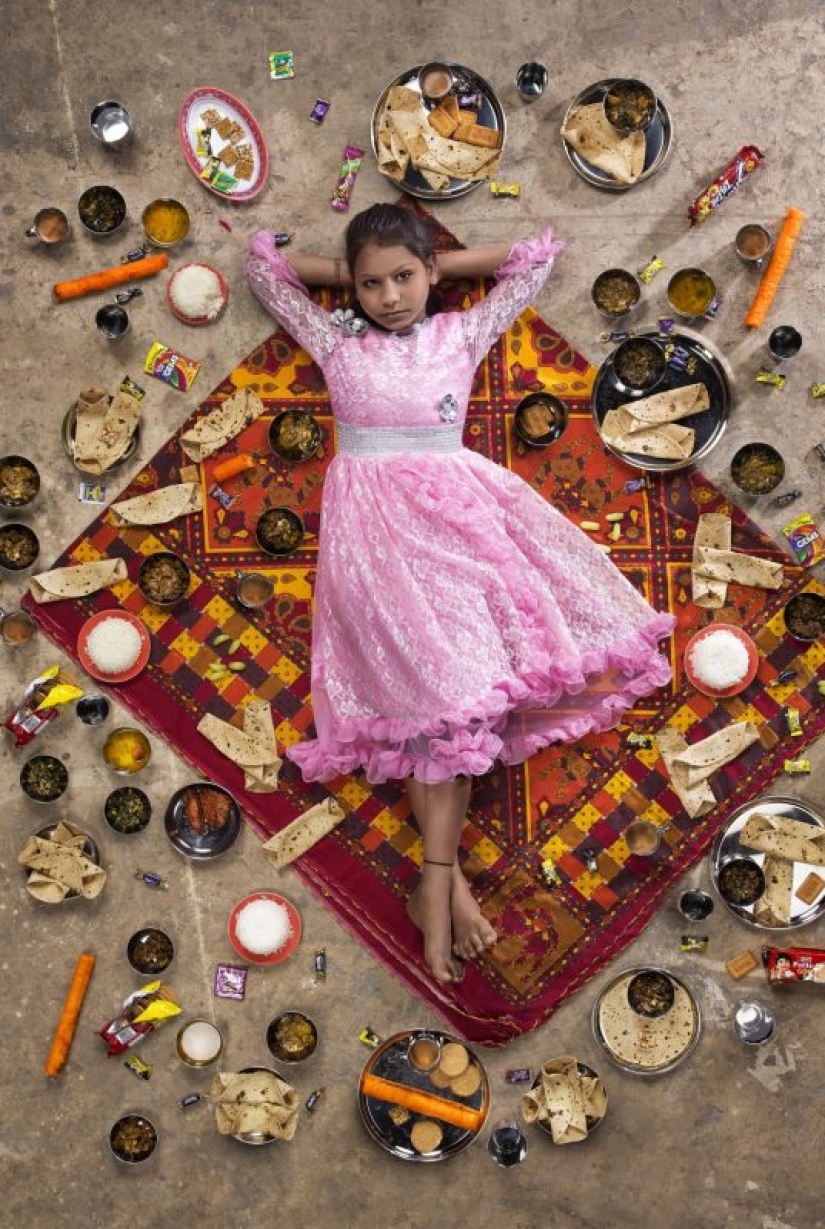 Our daily bread: amazing photo Gregg Segal on the diets of children of different Nations