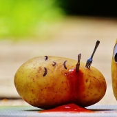 Potatoes, beans and 7 foods that can kill you
