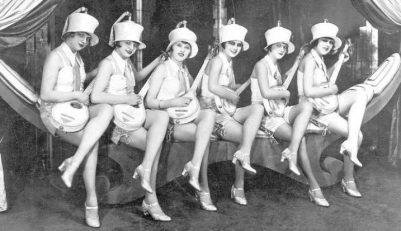 Sex, drugs and cabaret: the night life of Weimar Germany