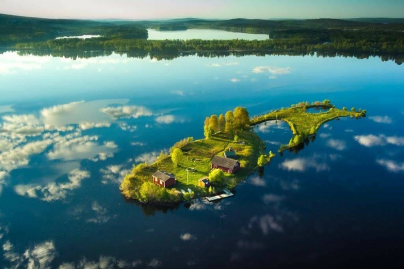 The beauty of the four seasons on a small Finnish island Long Rock