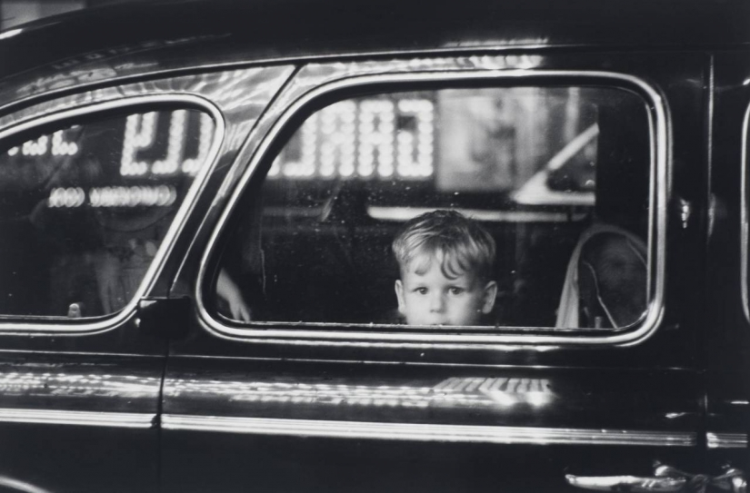 The journey on the road of life: expressive of classic photos of Elliott Erwitt