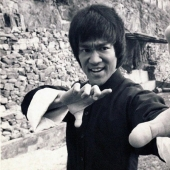 The path of self-improvement: advice from Bruce Lee