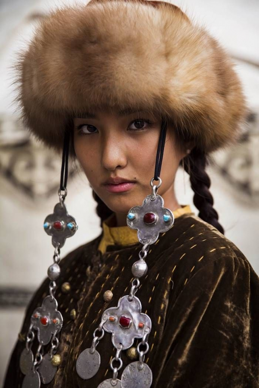The photographer continues to shoot the variety of beauty of women around the world