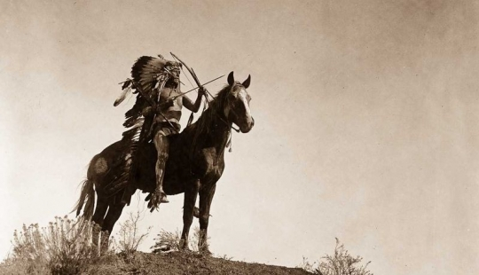 Years 1904-1924: the life of North American Indians photos by Edward Curtis