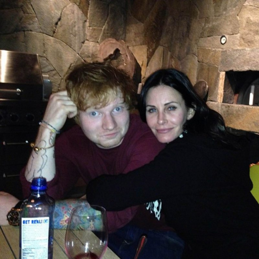 You would never guess that these famous people are friends