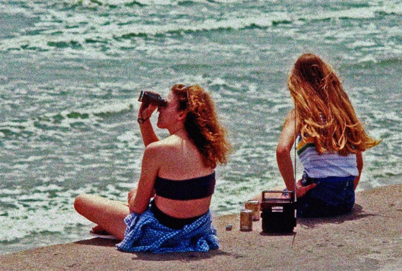 Young American women on the beaches of Texas in the 80s