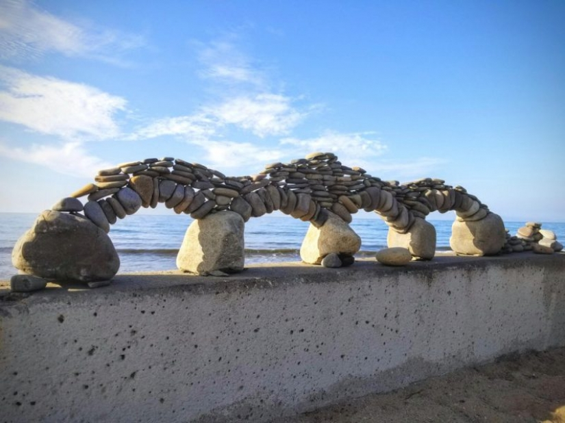 10 unusual things found on the beaches in different parts of the world