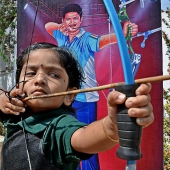 2 year old Indian girl set national record in archery