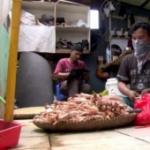 An Indonesian entrepreneur makes leather boots from leftover chicken legs